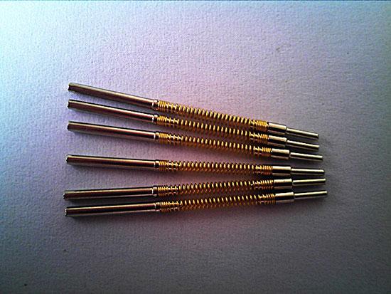 pogo pin探针连接器是一种应用于电子产品中的精密连接器,广泛应用于半导体设备中,起连接作用。Pogo pin探针连接器是一种由针头、弹簧、针管三个基本部件通过精密仪器铆压预压之后形成的弹簧式探针。 pogo pin探针连接器是一种应用于电子产品中的精密连接器,广泛应用于半导体设备中,起连接作用。Pogo pin探针连接器是一种由针头、弹簧、针管三个基本部件通过精密仪器铆压预压之后形成的弹簧式探针。pogo pin探针连接器针管选择的材料比较多一般选用PB的材料。导致良率低下的最主要的原因可能是因为